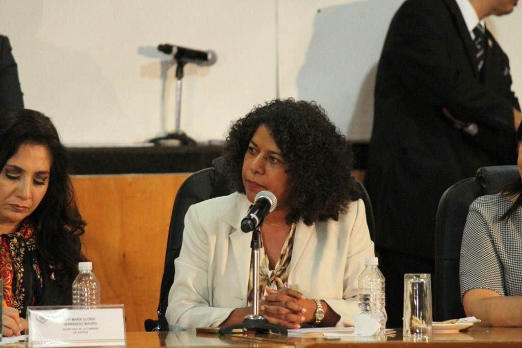 Tres preguntas a la PGR por parte de la diputada federal Candelaria Ochoa