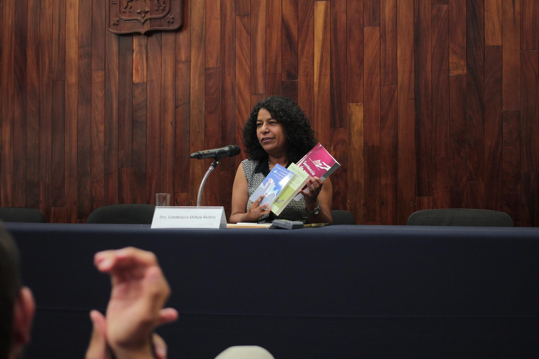 CONFERENCIA DE PARIDAD DE GÉNERO EN LA POLÍTICA,  FUE IMPARTIDA EN EL CUCSH