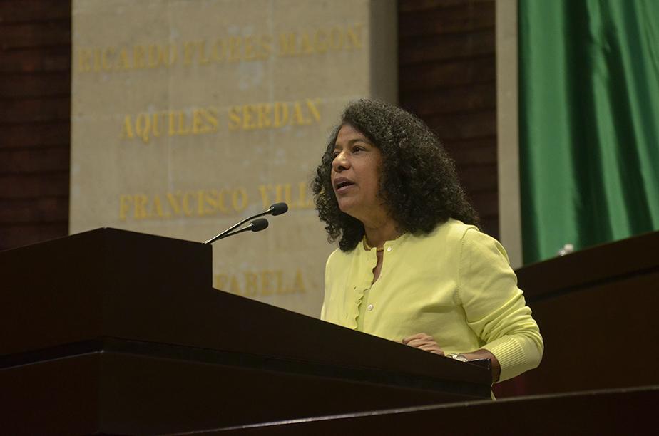 FUNCIONARIOS CORRUPTOS DEBEN SER INHABILITADOS DE POR VIDA: CANDELARIA OCHOA