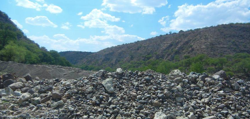 Conagua otorgó permisos para saqueo de arena en el Río Verde: Diputados MC